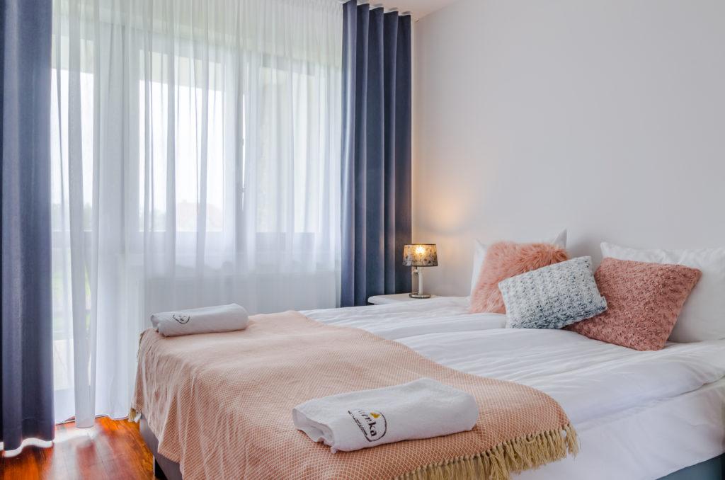 łóżko kontynentalne dwuosobowe dom wczasowy stenka gowidlino
