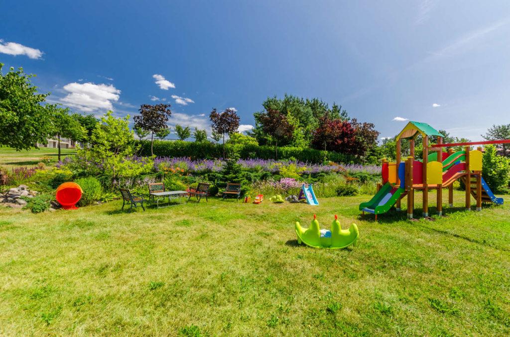 ogródek z placem zabaw kaszuby